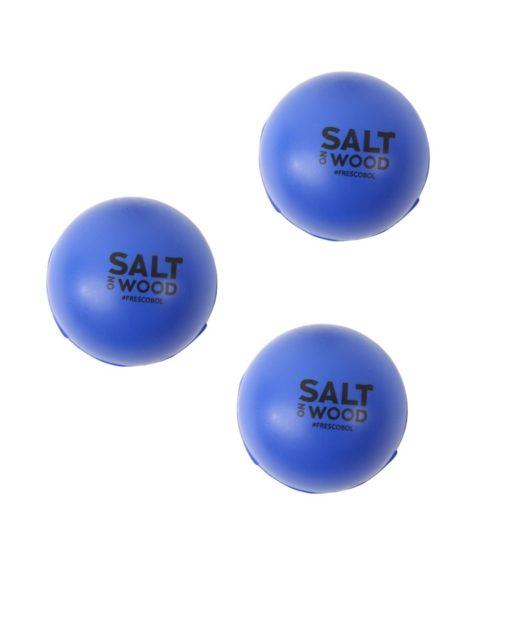 Frescobol Bälle in Blau von Salt on Wood